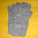 縄編み模様の手袋