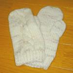 縄編み模様のミトン