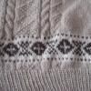 編み込み模様と模様編みのベスト(2)